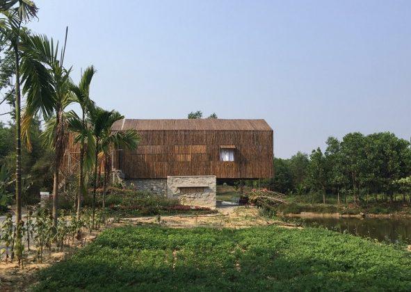 Nhà Tranh Hoa Phong House