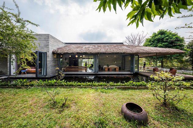 Nhà vườn cá Koi AM House